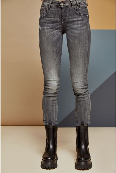 Delaire-Nc Jeans