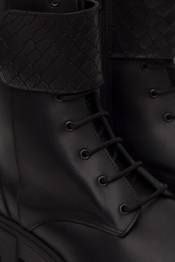 3605  Leather Boots