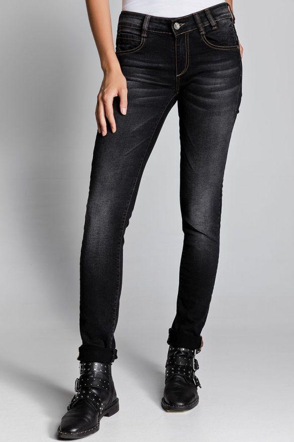 Bates-47 Jeans