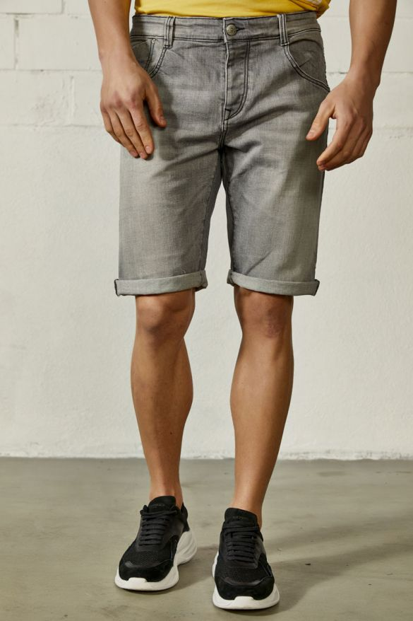 Nodin-Eg Shorts
