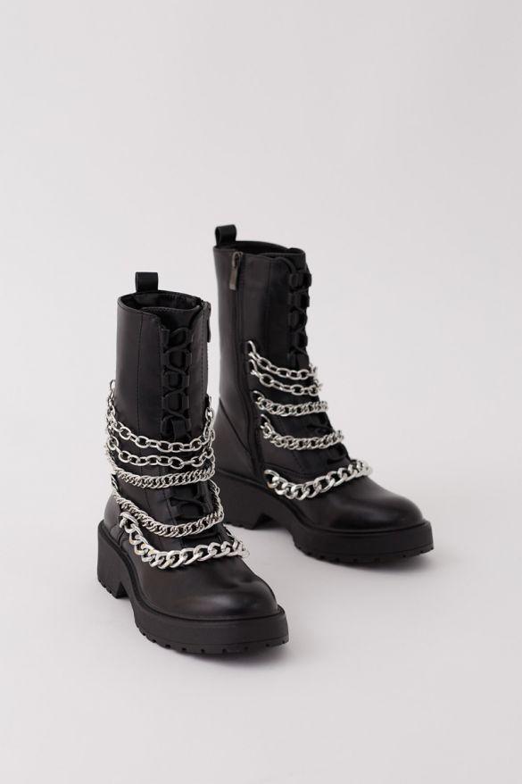 Debbie Boots