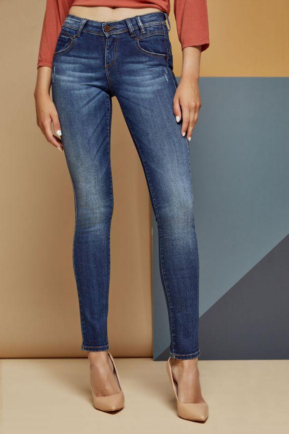 Delaire-33 Jeans